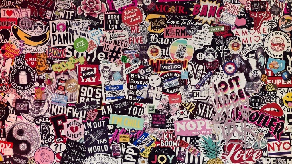 De nombreux stickers pour embellir vos engins !